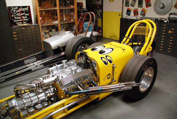 Dean Moon's Garage. MOONEYES Dragster - Speed Shop